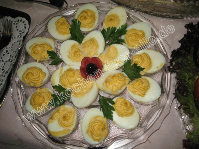 Gefüllte Eier mit Senf